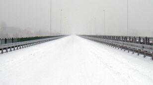 Most Marii Skłodowskiej-Curie pod śniegiem Dawid Krysztofiński/tvnwarszawa.pl