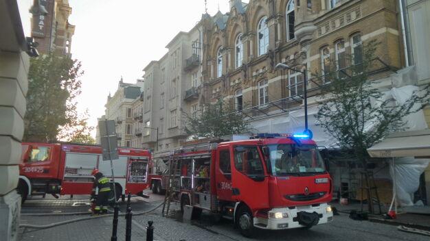 Poranny pożar w Śródmieściu. Paliła się remontowana kamienica
