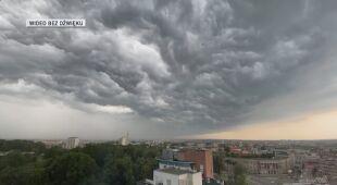 Film poklatkowy z burzy w Białymstoku